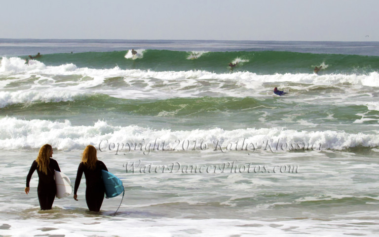 Surf Crowd Break
